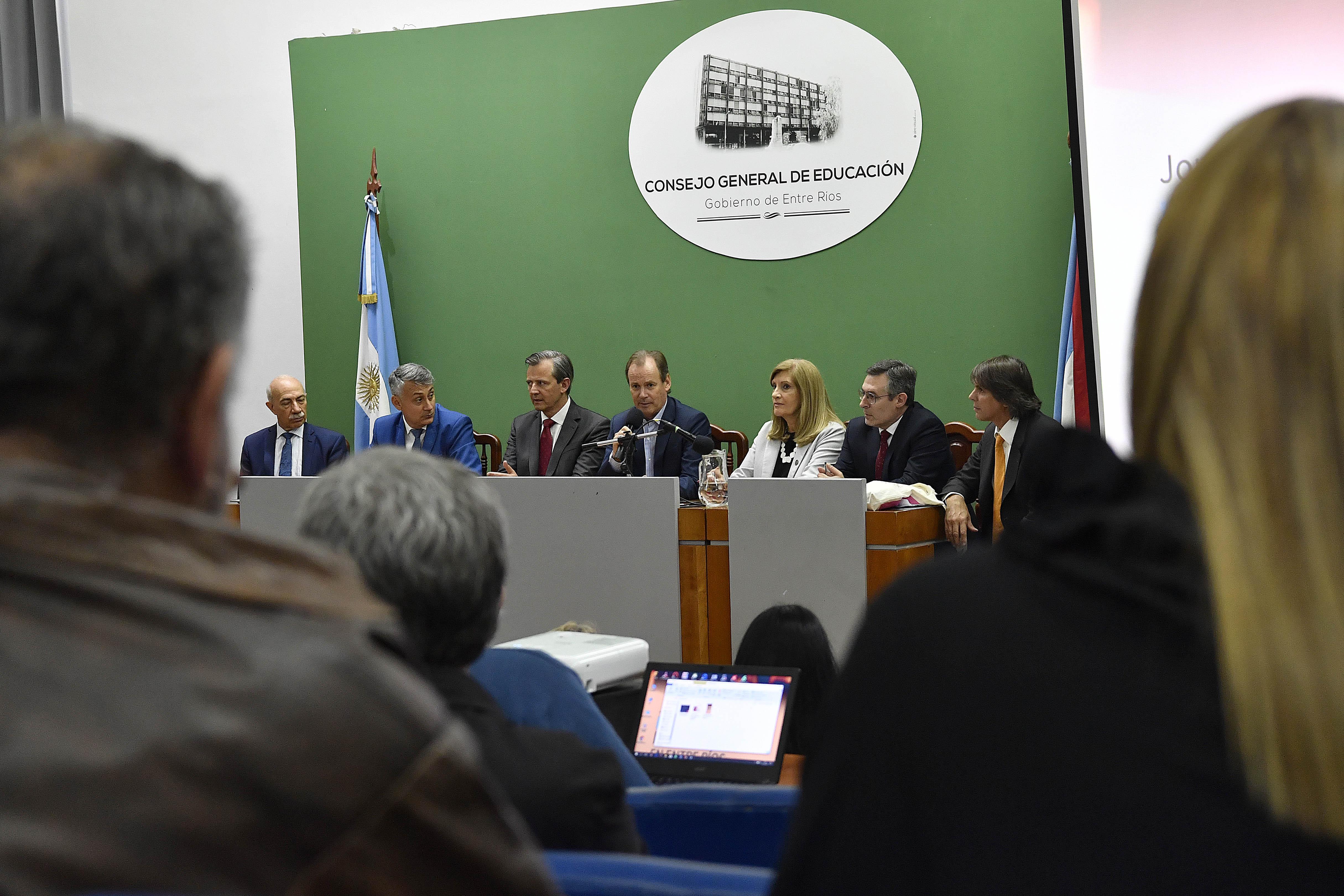 Bordet ratificó la voluntad de la implementar el juicio por jurados en Entre Ríos.