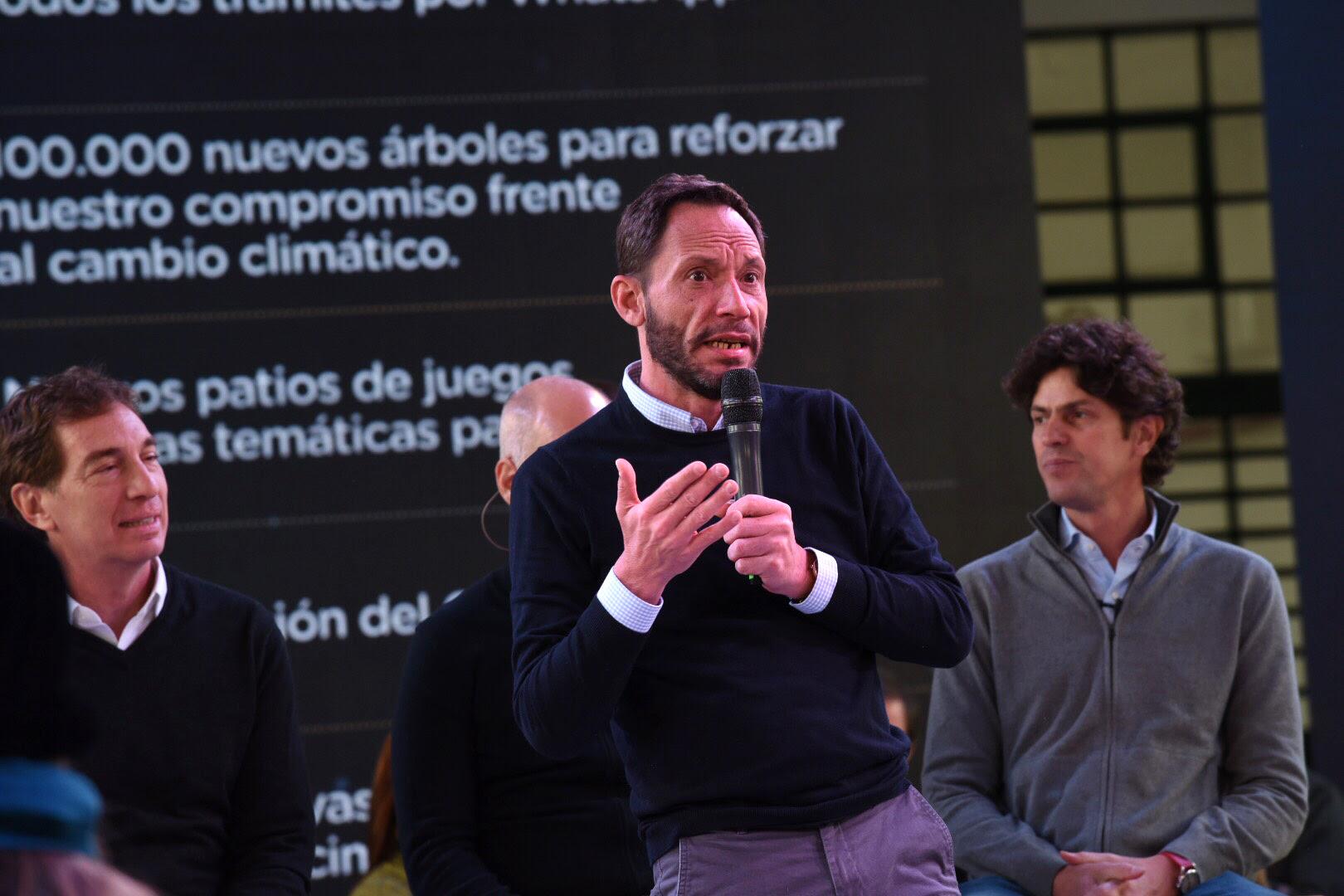Rodríguez Larreta presentó las propuestas de campaña junto a vecinos.