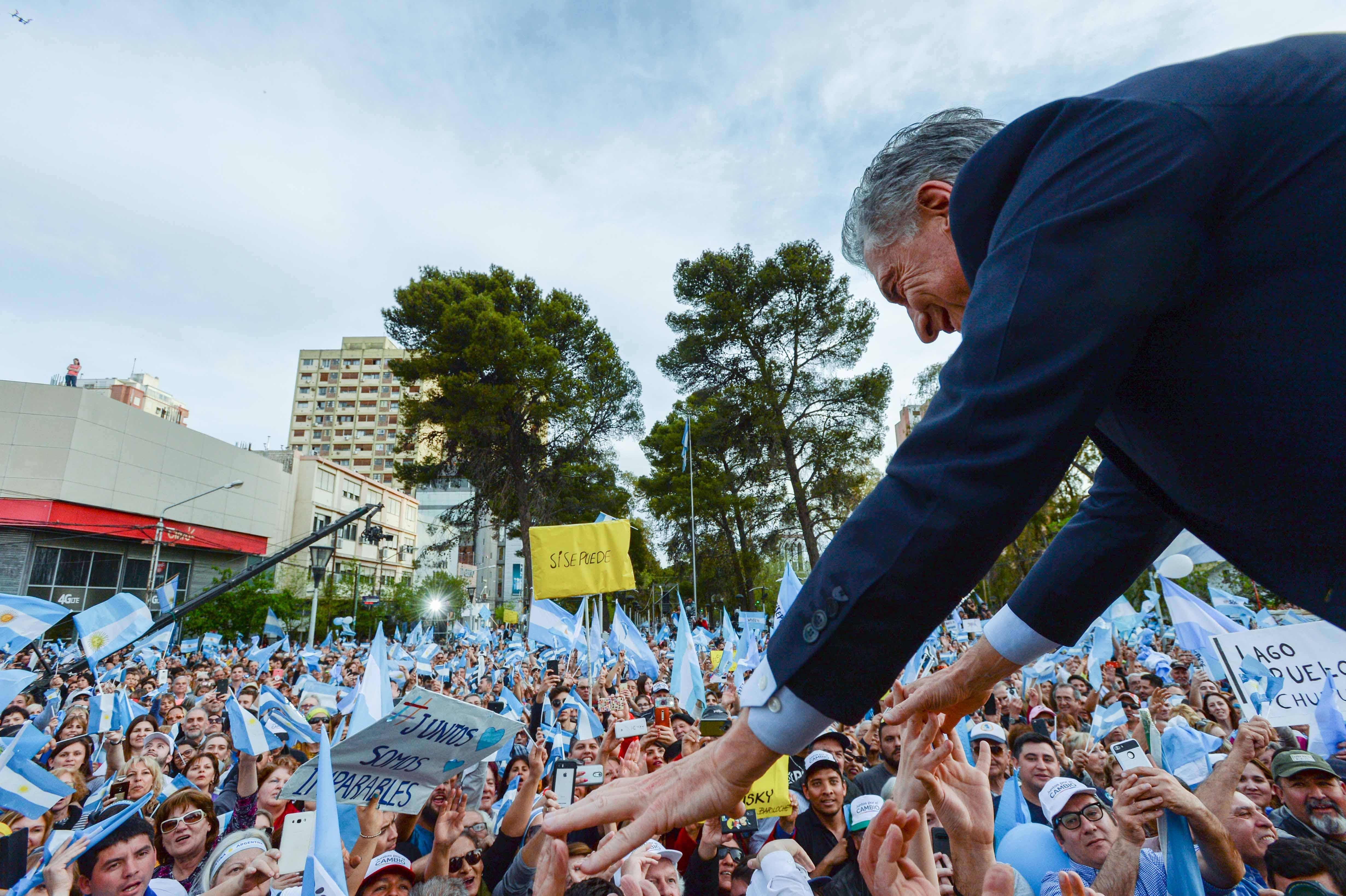 El Presidente Macri encabezó la marcha del Sí Se Puede en Neuquén.