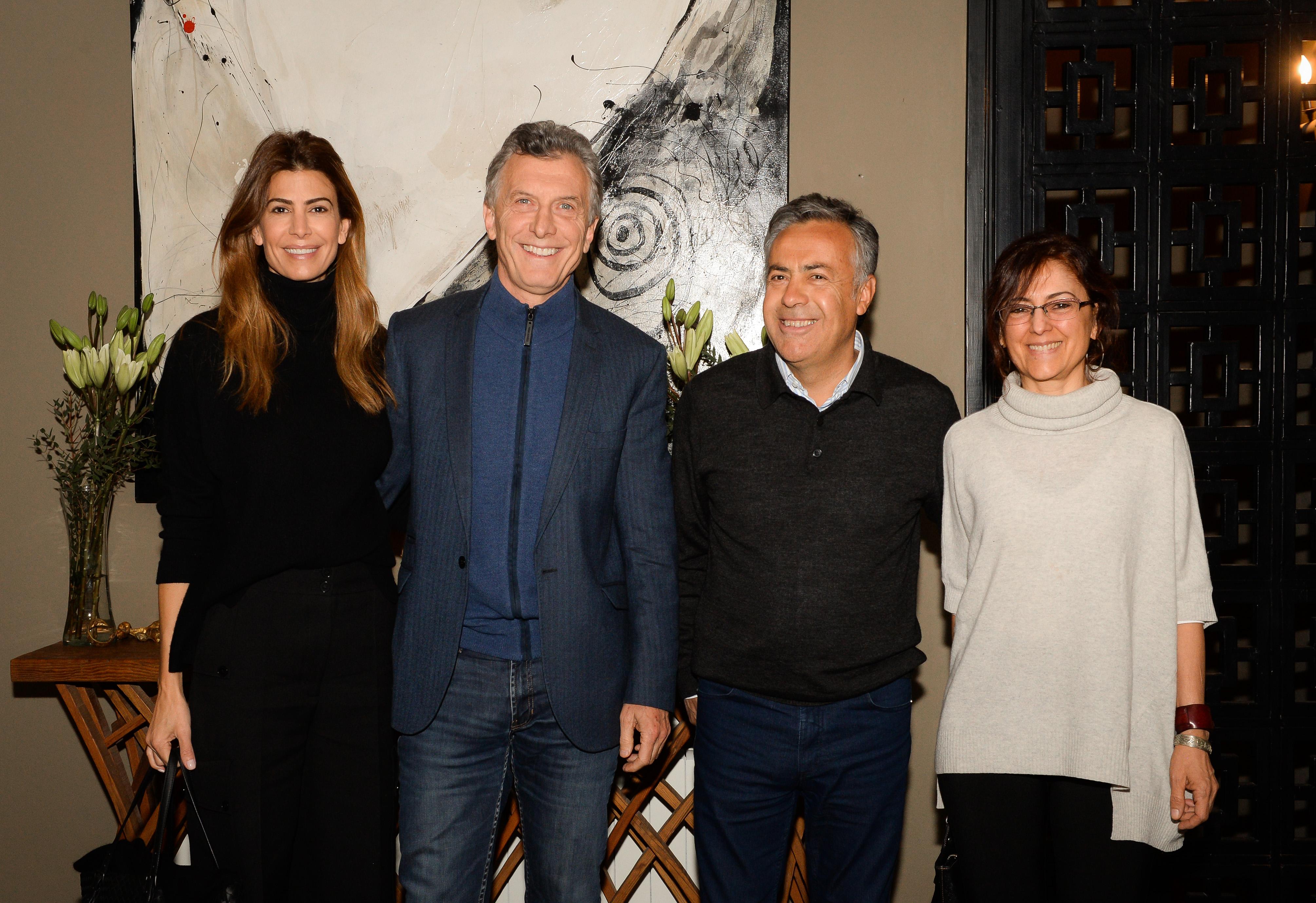 El Presidente Macri compartió una cena con el gobernador de Mendoza, Alfredo Cornejo.