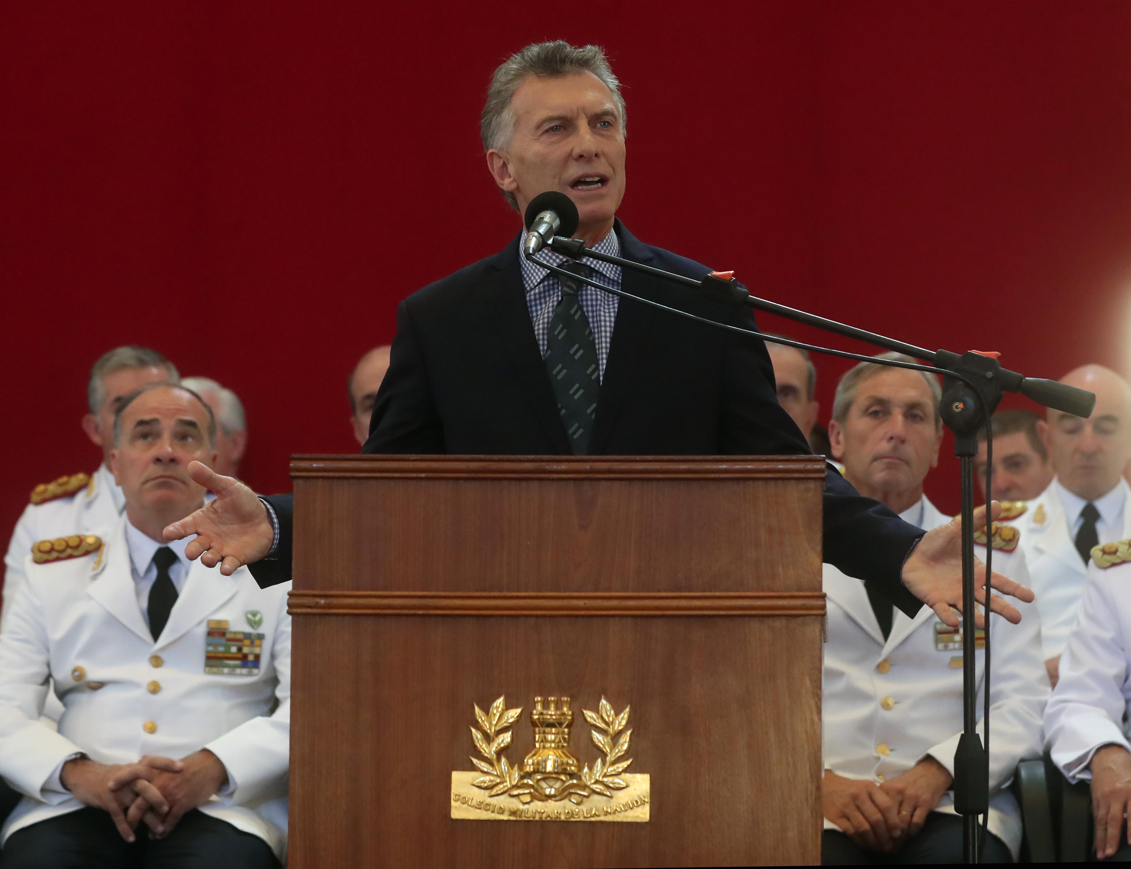 El Presidente Macri encabezó el acto de egreso de nuevos oficiales de las Fuerzas Armadas.